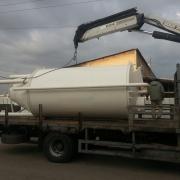 מיכל קמח 10 טון מועמס על המשאית