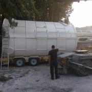 """מאגר מים 60 מ""""ק, מועמס על המשאית, עבור חברת להבות, ירושלים."""
